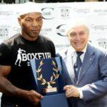Kisah Mike Tyson Memeluk Islam